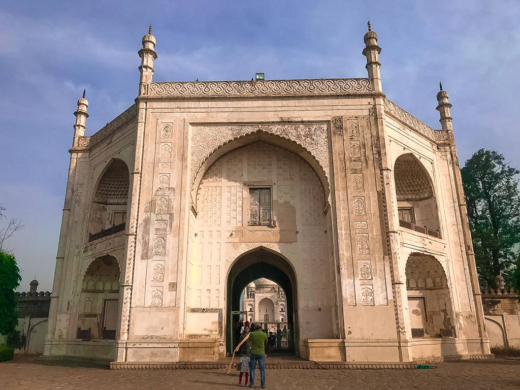Bibi Ka Maqbara Entrance, places to visit in aurangabad